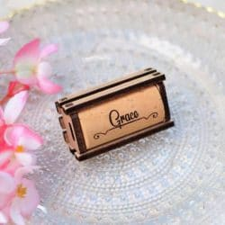 Custom Wine corks for place the name of the guest and be used for wedding favors